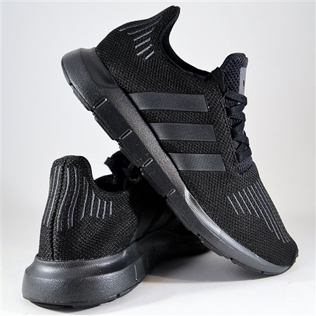 Zdjęcie ADIDAS ORIGINALS SWIFT RUN CG4111